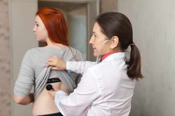 осмотр у врача девушек фото
