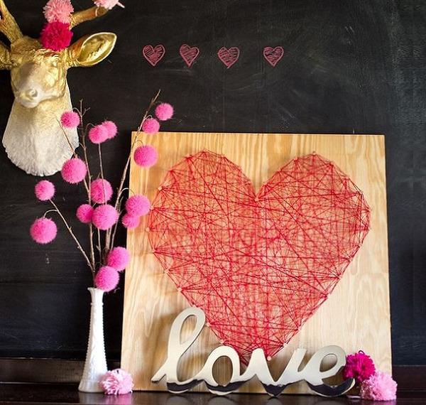 Сердце из нитей станет прекрасным дополнением детском комнаты младенца и подростка