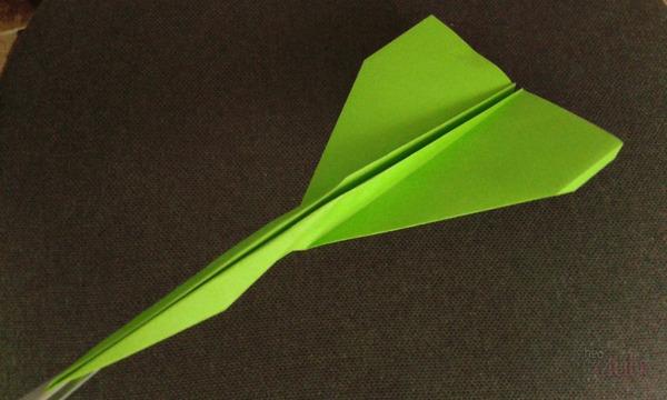 Летающий бумажный самолётик Глайдер